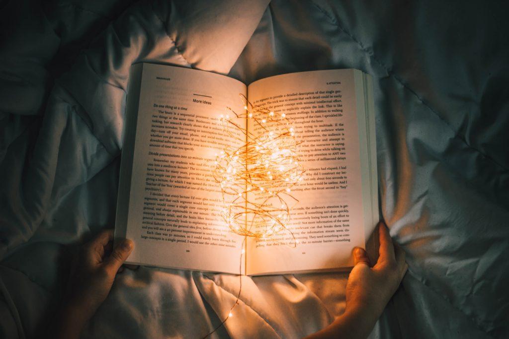 読書とyoutubeがおすすめです