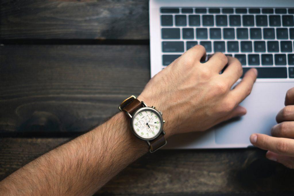 副業でブログの毎日更新を達成した時間術